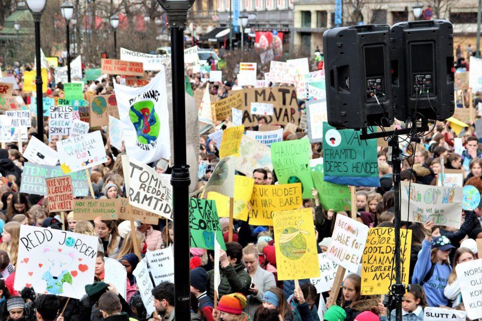 Det var ventet over 15000 streikende skoleelever i dag