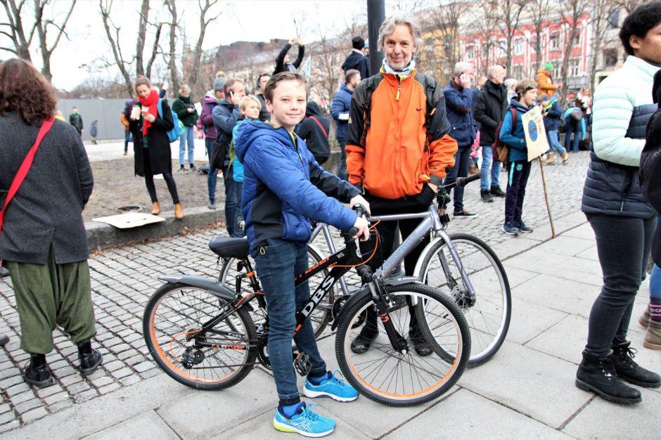 Sigurd (11) hadde tatt tatt sykkelturen inn fra Bygdøy sammen med morfar Finn (70)